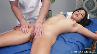 Relaxing massage for a sexy pornstar - Maya Bijou & Damon Dice.